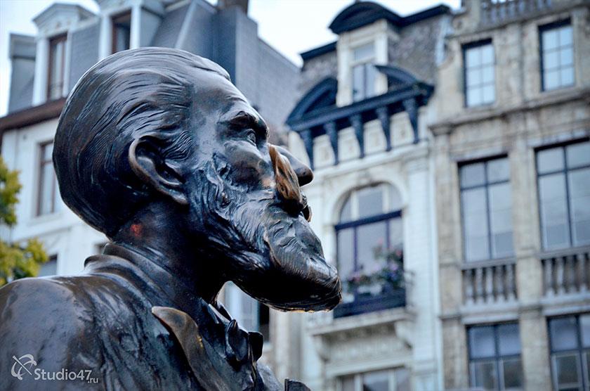 Памятник бургомистру Брюсселя Шарлю Бюльсу