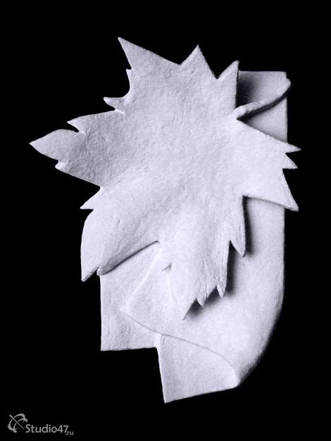 Кленовый лист из пластилина